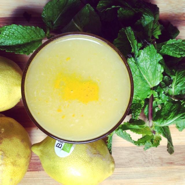 jus-orange-citron-menthe-curcuma